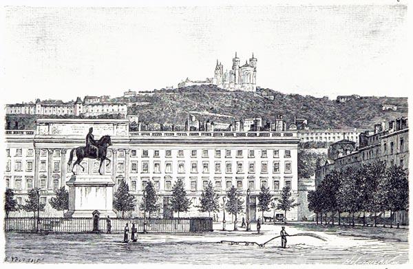 Lyon - Place Bellecour et Colline de Fourvières